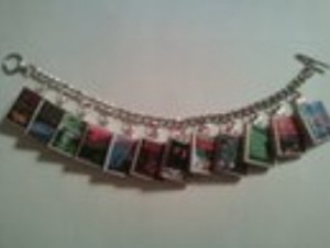 Reader and jewelry maker Paula Winchester Hisel made a Simon based charm bracelet.
