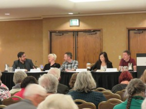 Simon tellling lies with Johnny Shaw, Catriona McPherson, Chris F Holm and Jess Lourey at the 2015 Left Coast Crime--Portland